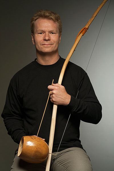 Mikael-Khei-Maguti-Berimbau